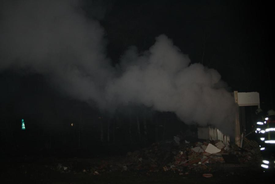 Woningbrand blijkt klein brandje in sloopwoning(Foto update)