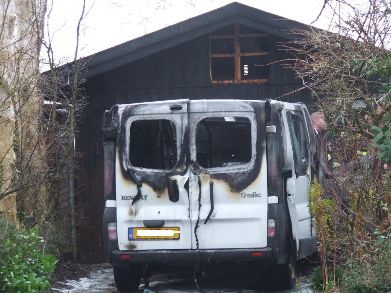 Bestelbusje in brand (VIDEO)