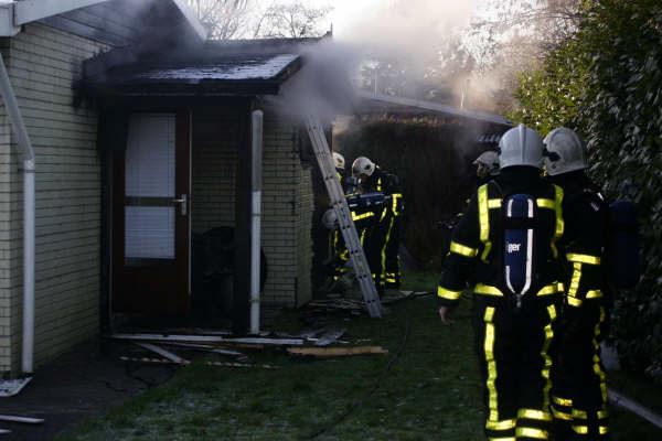 Flinke rookontwikkeling bij brand in woning