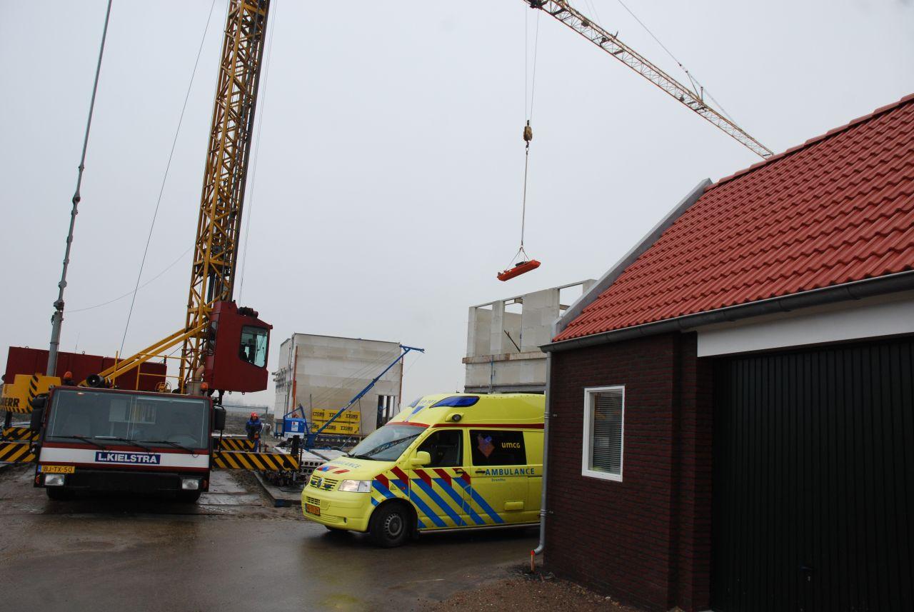 Gewonde bouwvakker afgehesen