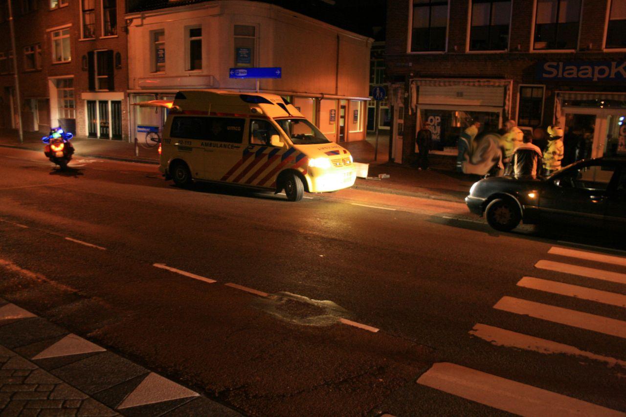Pizzakoerier lichtgewond bij aanrijding met taxi