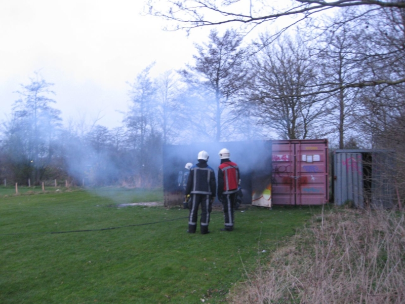 Container met afval in brand