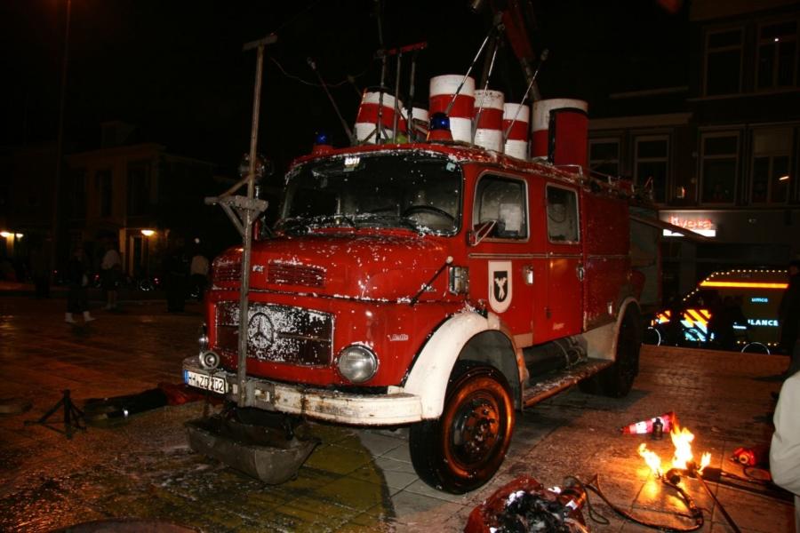 Brandweerspektakel op Wilhelminaplein (video)