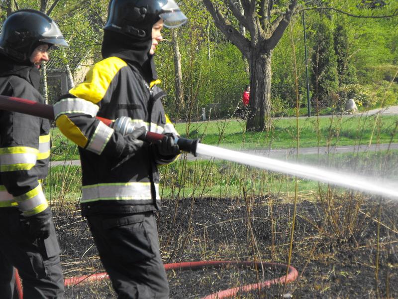 Brandweer rukt uit voor buitenbrand