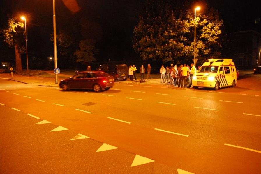 Fietser aangereden door busje