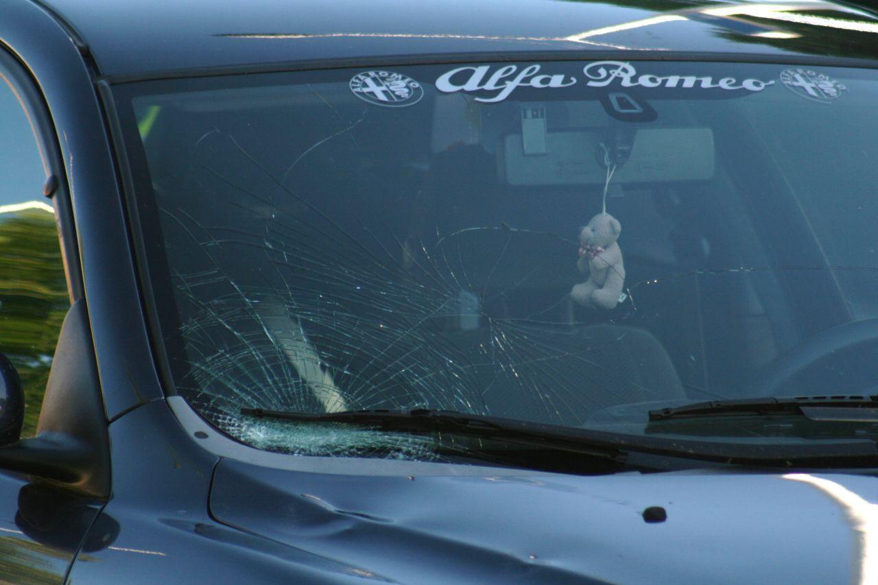 Vrouw gewond na aanrijding