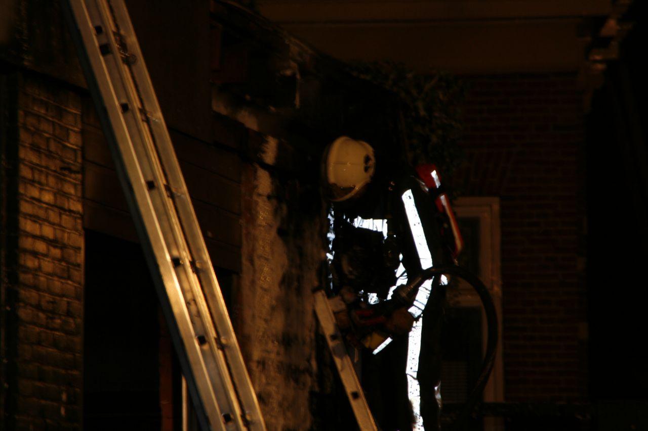 Garage beschadigd door brand *Foto update*