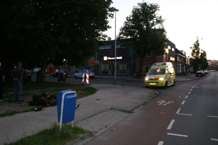 Scooterrijdster gewond bij aanrijding