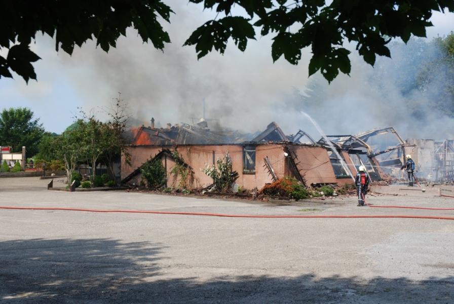 Uitslaande brand verwoest restaurant *foto update*