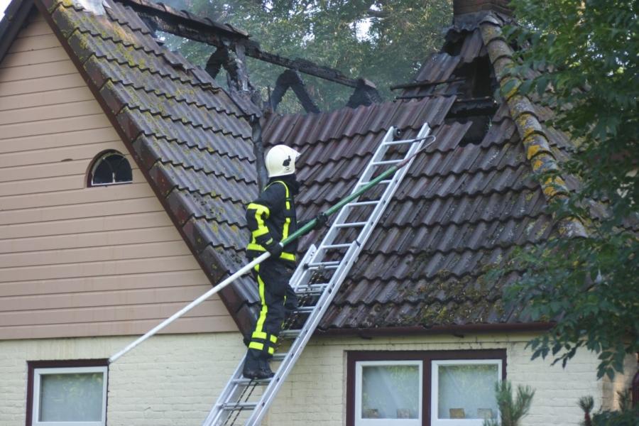 Brand verwoest zolder