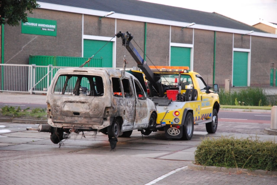 Opnieuw autobrand op industrieterrein