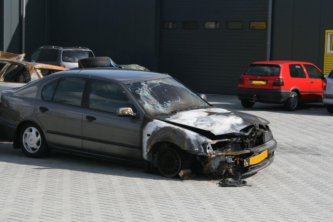 Weer auto in brand gestoken *Foto update*