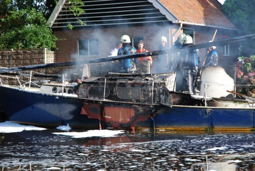 Zeilboot brand uit *foto update*