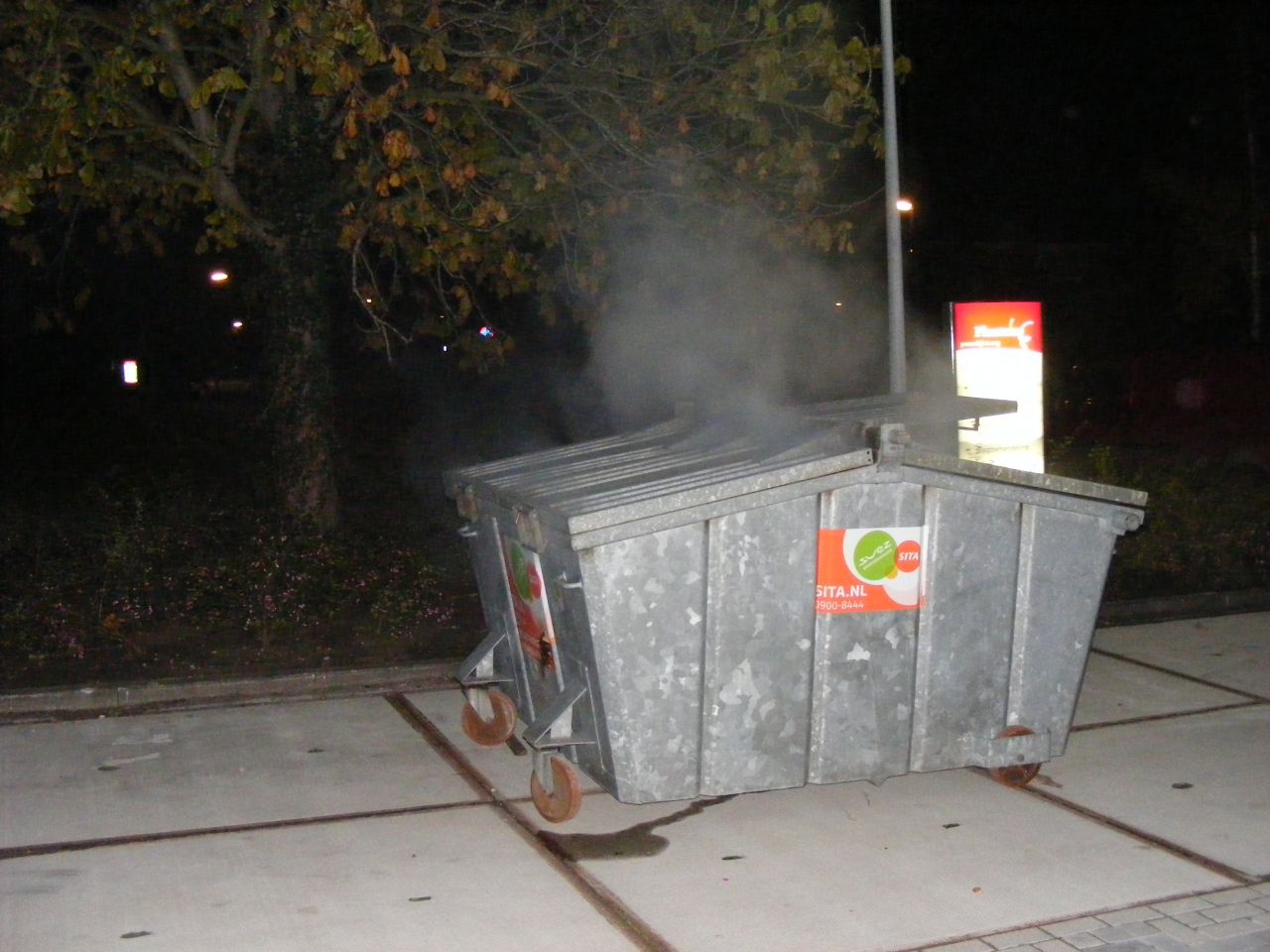 Containerbrand bij verpleeghuis