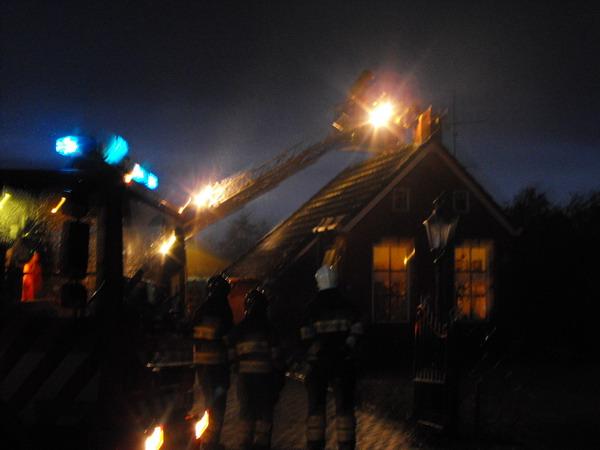 Brandweerinzet voor schoorsteenbrandje