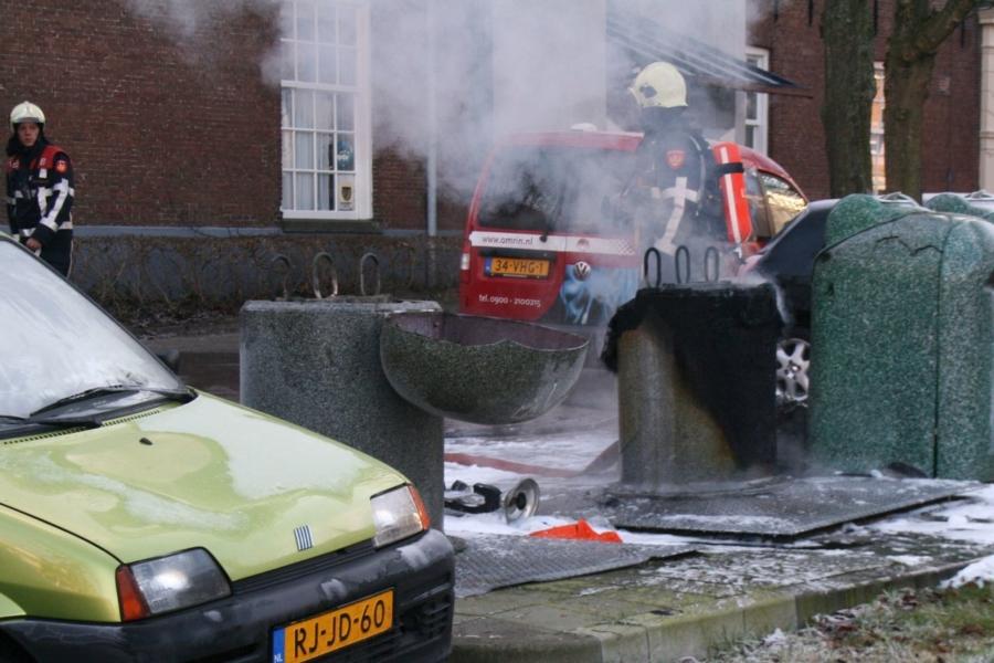 Container zwaar beschadigd door brand