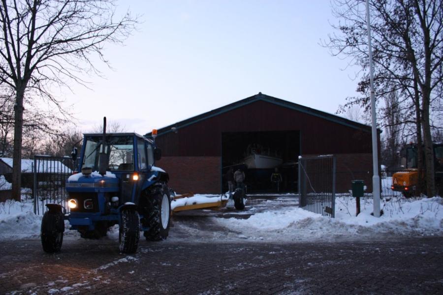 Dak op instorten door sneeuw