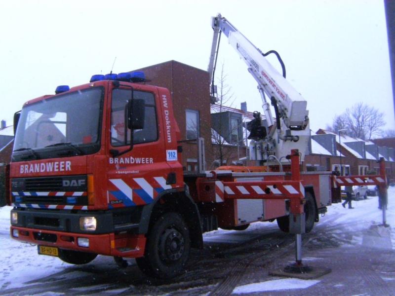 Brandweer inzet bij daklekkage woning