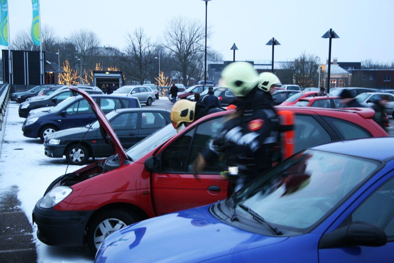 Brand in auto op parkeerdek