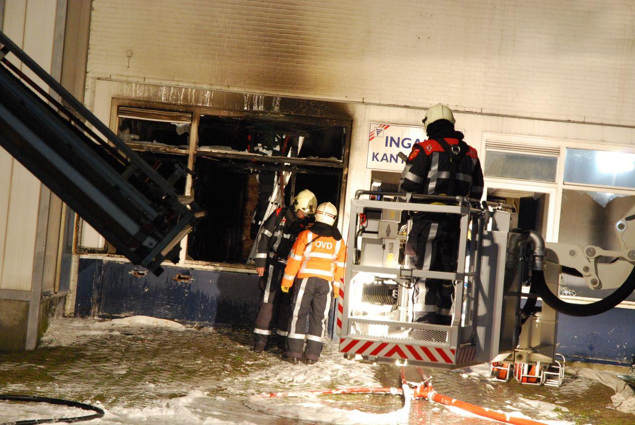 Uitslaande brand in oud pand Brada (video) *Update*
