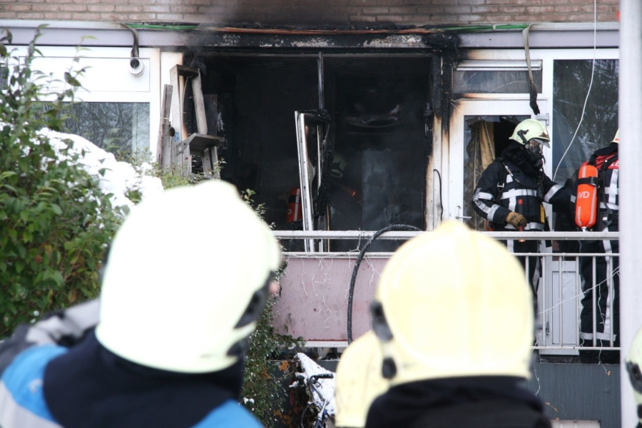 Uitslaande brand in woning (video)