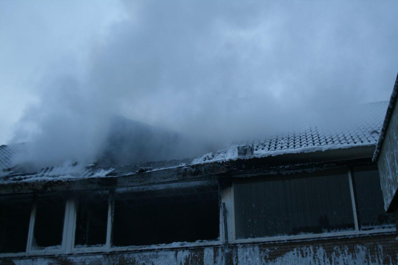 Uitslaande brand verwoest woning (Update 11:10)