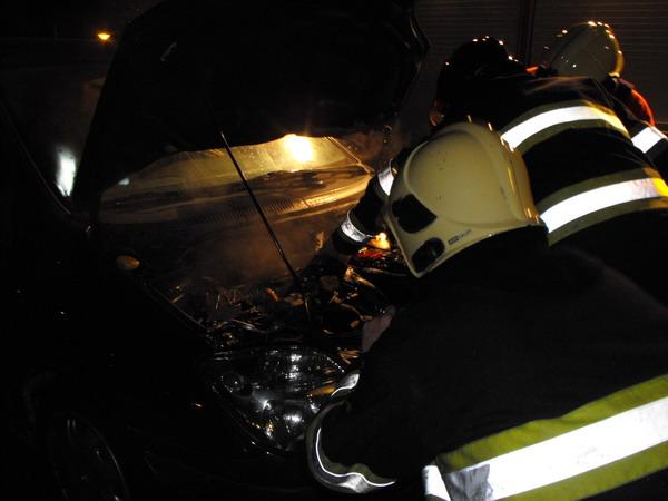 Klein brandje in auto