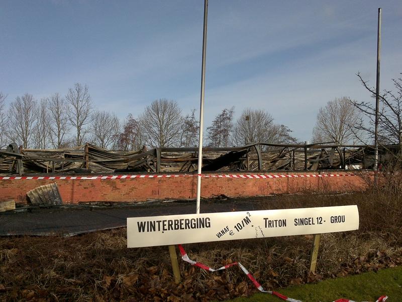 Bedrijfspand Grou een dag na de brand