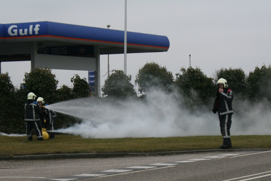 Lekkende gastank in auto (video)