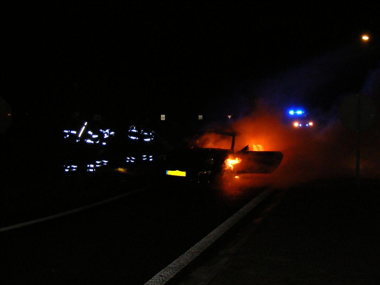 Porsche brand uit op Westergoawei