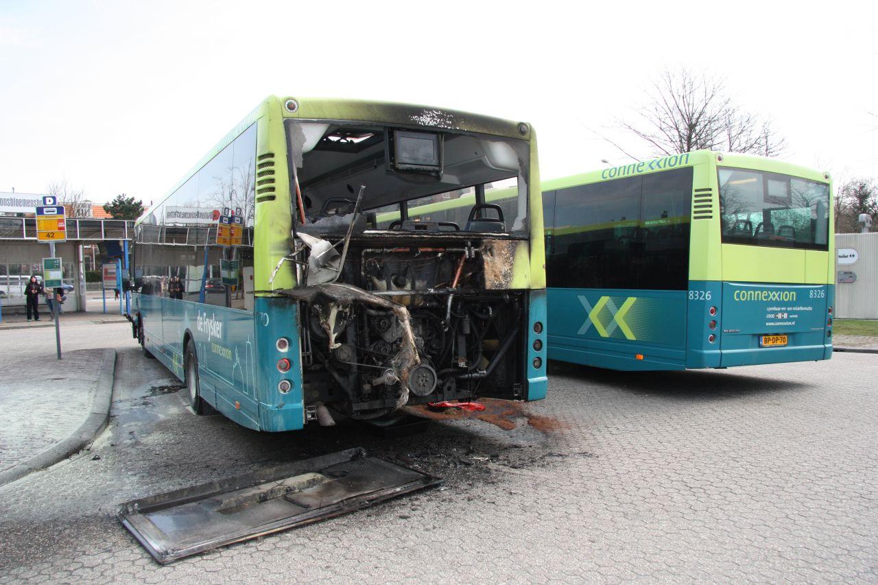 Motor van bus in brand