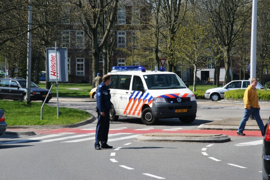 Vrouw aangereden door auto