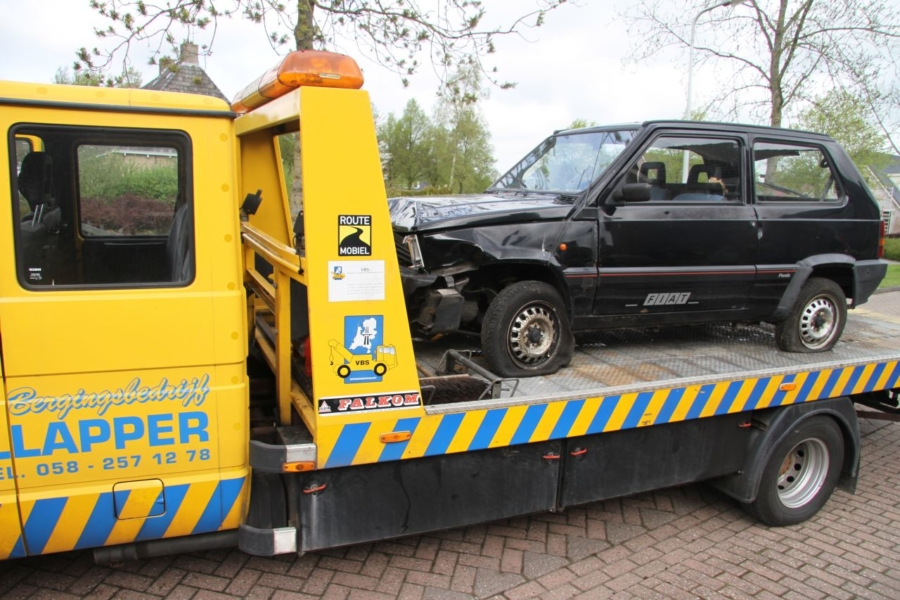 Ongeval met drie auto's (video)