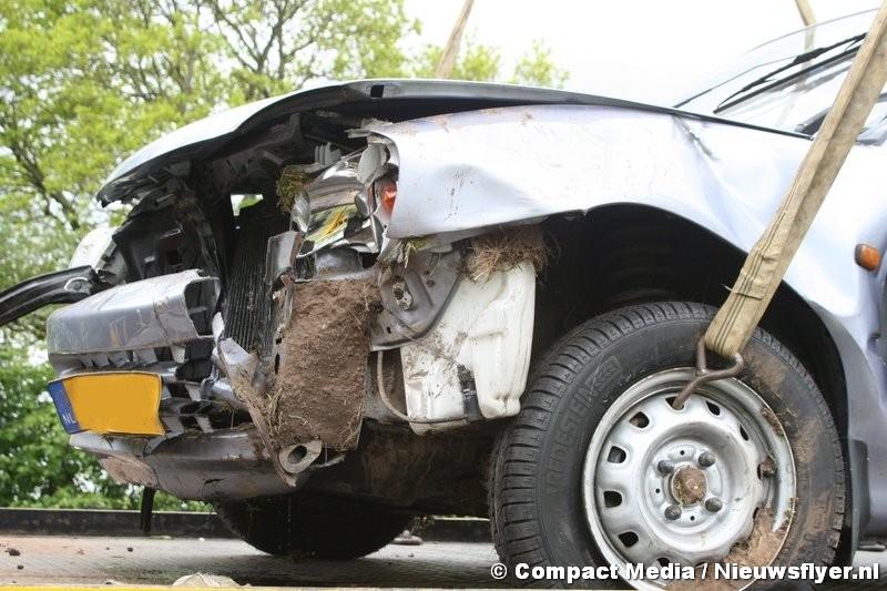 Vrouw gewond bij ongeval met beknelling