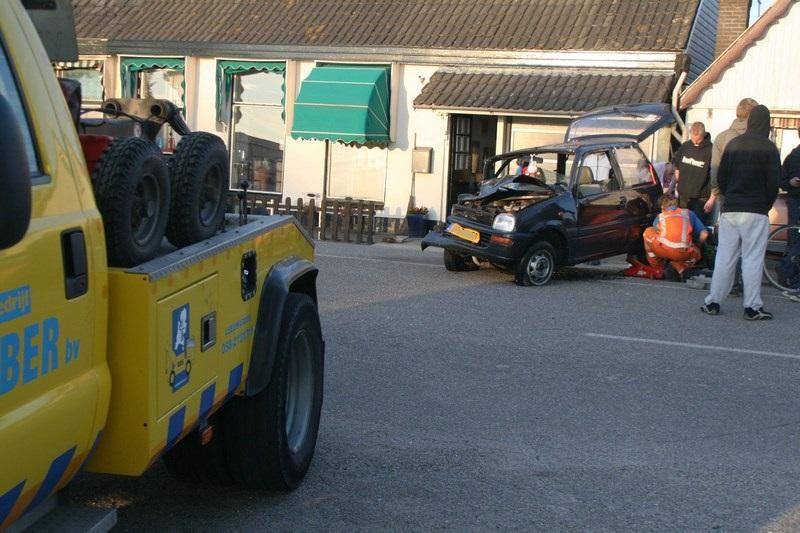 Drie ambulances en rapid responder ingezet bij aanrijding (video)