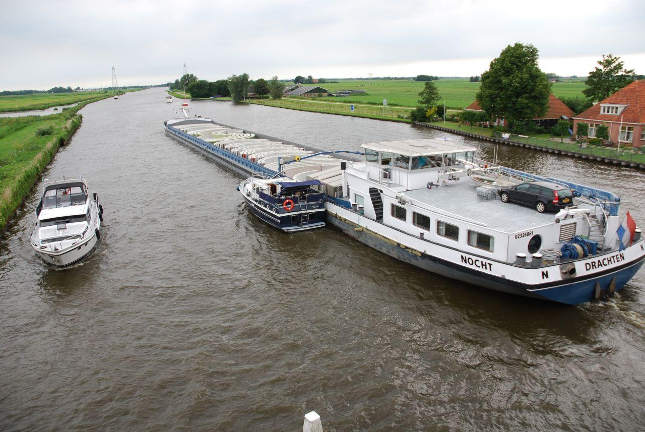 Scheepsongeval : vrachtschip ramt kruiser
