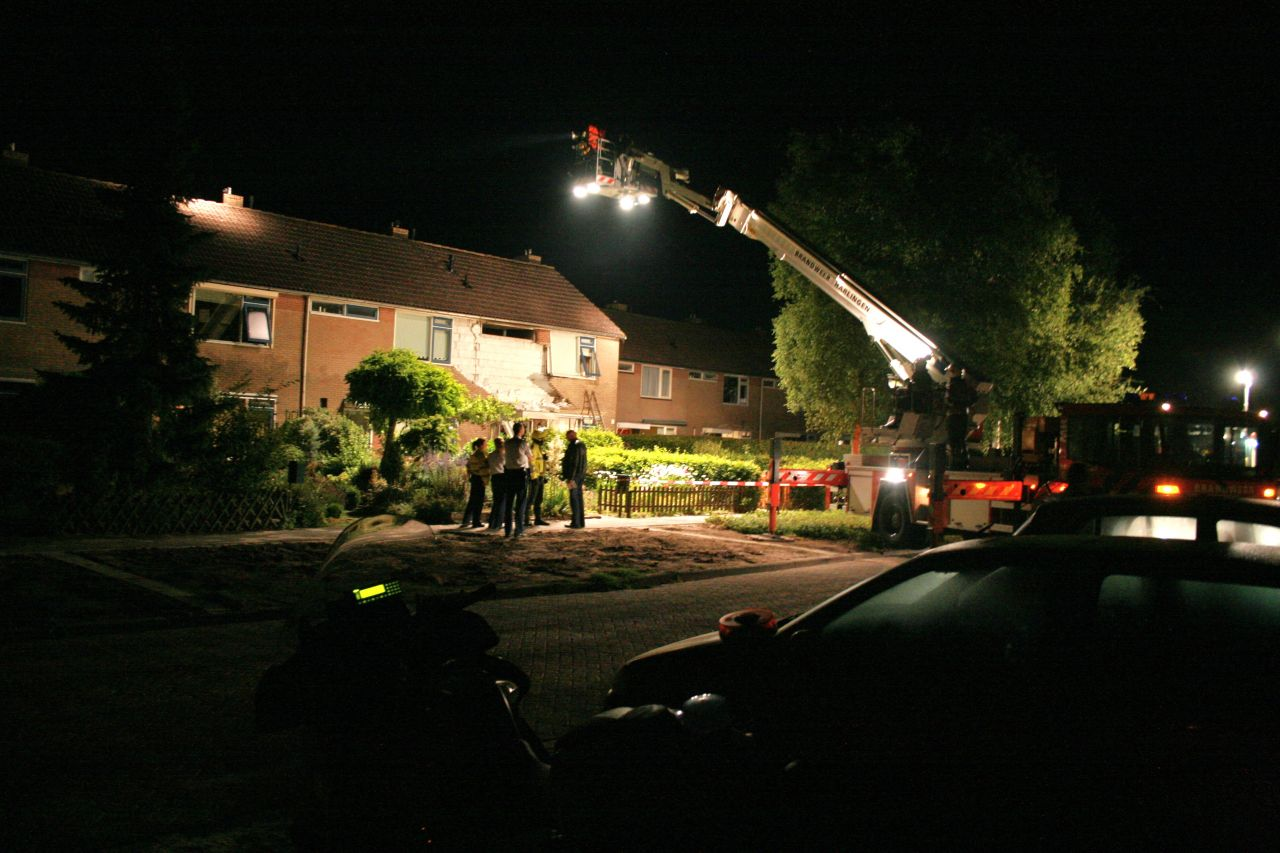 Explosie gevolgd door brand in woning