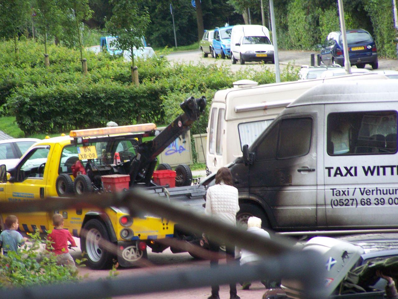 Taxibus uitgebrand