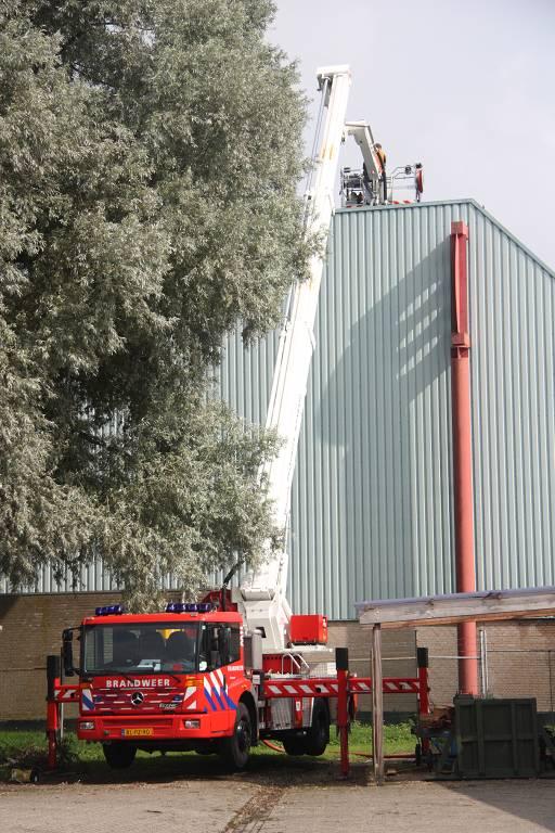 Dak in de brand bij werkzaamheden