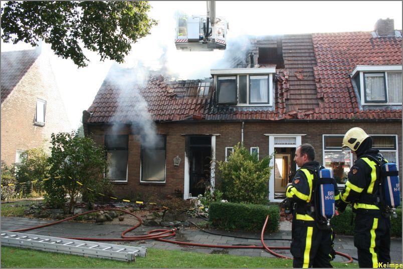 Dode bij uitslaande brand in woning