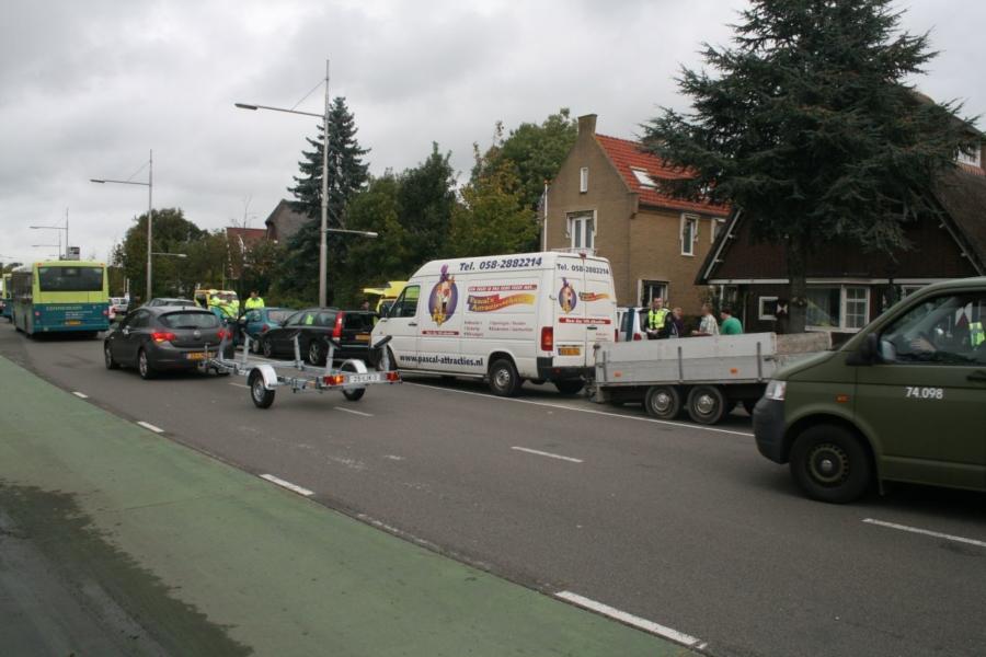 Verkeersopstopping door kettingbotsing
