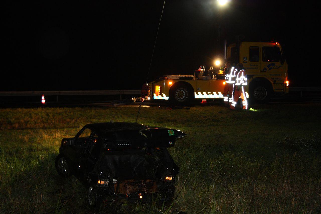 Auto in de sloot bij ongeval