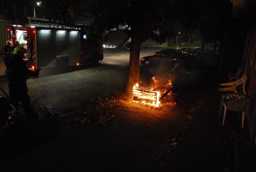 Oud bankstel in brand
