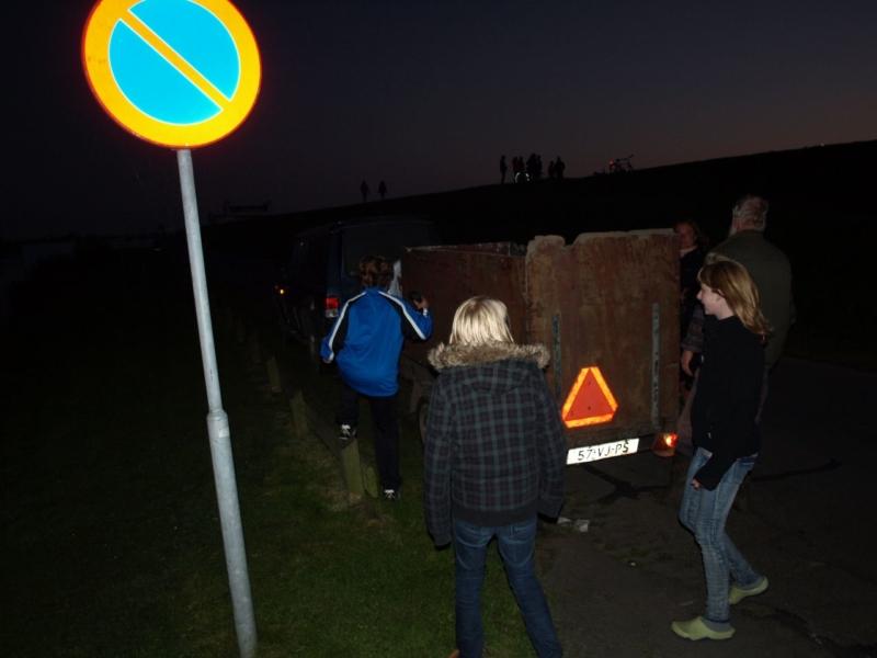 Schaap neemt duik in het IJsselmeer