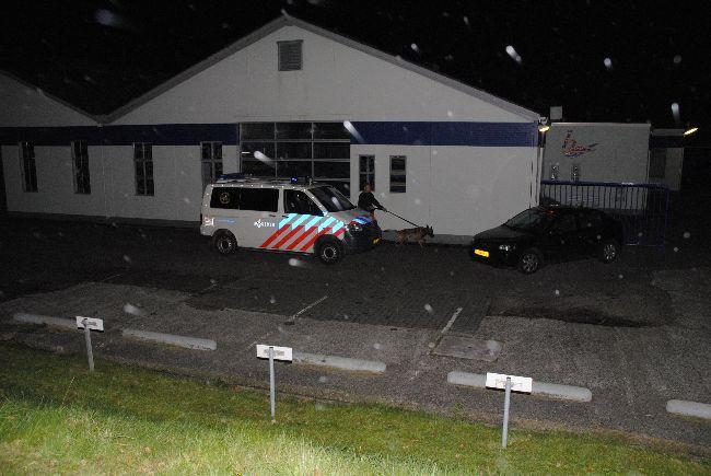 Realistische oefening hondengeleiders politie Fryslân