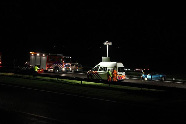 Beknelling bij ongeval met drie auto's op A7