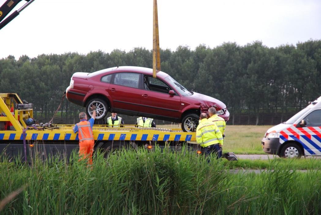 Auto in de vaart na aanrijding