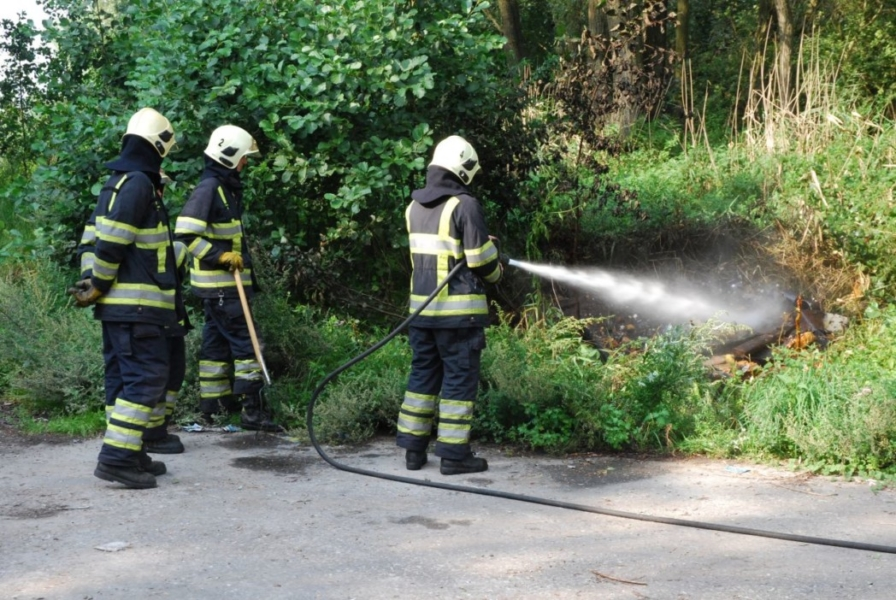 Buitenbrand naast Waldwei