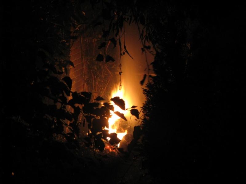 Brandweer rukt uit voor vuurtje in achtertuin