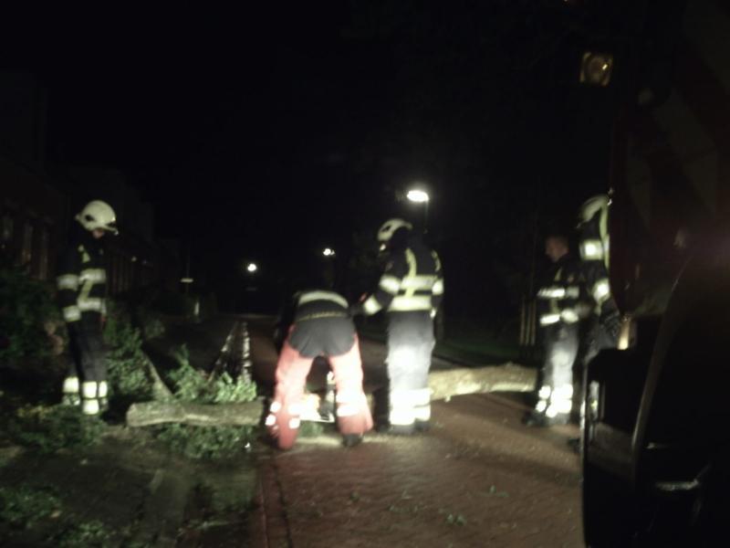 Storm teistert Fryslân(Update)
